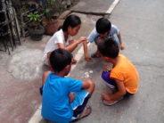 kids playing pon